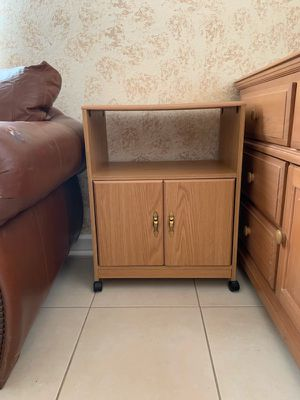 All Purpose Rolling End Table/Nightstand on Wheels for Sale in Pompano Beach, FL