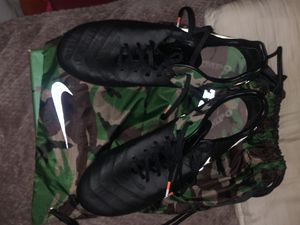 Nike tiempo legend size 9 camo pack Edicion for Sale in Hayward, CA