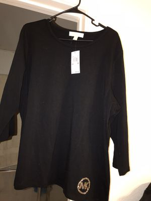 BRAND NEW LADIES MICHAEL KORS TOP WITH TAGS for Sale in North Las Vegas, NV