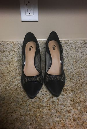 Fioni lace heels for Sale in Fayetteville, NC