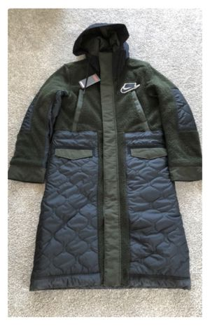 NIke SHERPA FILL PARKA MIX JACKET for Sale in Long Beach, CA