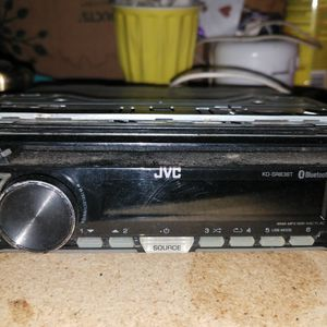 JVC BLUETOOTH CAR STERIO / CD PLAYER for Sale in Pineville, LA