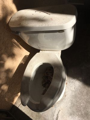 Free toilet for Sale in West Covina, CA