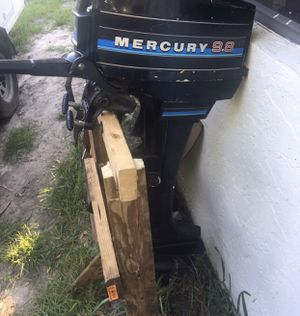 Mercury 9.8hp outboard 2 stroke $300 firm year unknown. Starts with starting fluid but not staying on. I don't know much about boat motors so my loss for Sale in Fort Lauderdale, FL