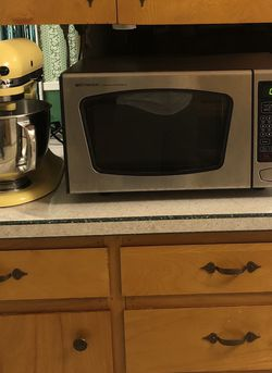 Emerson Microwave for Sale in Portland,  OR