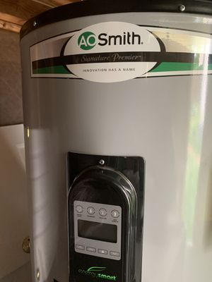 Ao Smith digital thermostat water heater 50 gallons for Sale in Frederick, MD