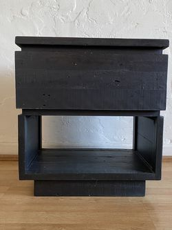 West Elm Emmerson bedside/end Table, Black, 22x20x15 for Sale in Los Angeles,  CA