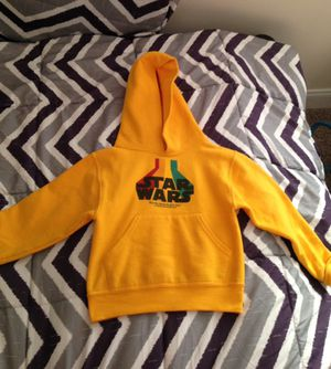 Star Wars yellow hoodie size S ( 4T-5T )in excellent condition for Sale in La Vergne, TN
