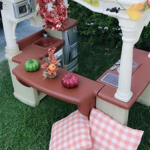 Kids Kitchen Playhouse for Sale in Montclair, CA