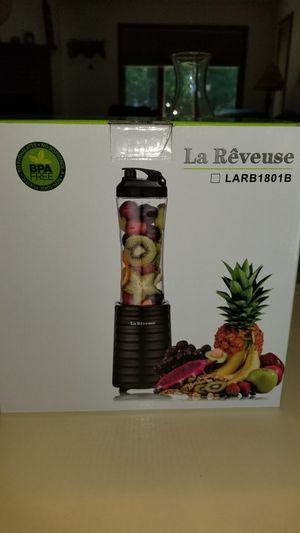 NEW IN BOX LA REVEUSE MINI BLENDER TRAVEL SPORTS BOTTLE SMOOTHIES. 300 WATT. PICK UP MIDDLEBORO ONLY . PRICE IS FIRM for Sale in Middleborough, MA