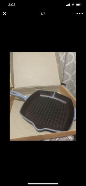 Le Creuset Skillet Grill 10 1/4 2QT for Sale in Los Angeles, CA