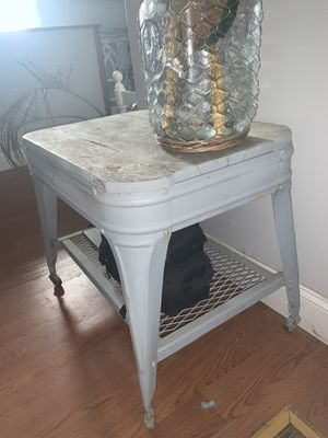 Vintage wash stand for Sale in Richmond, KY