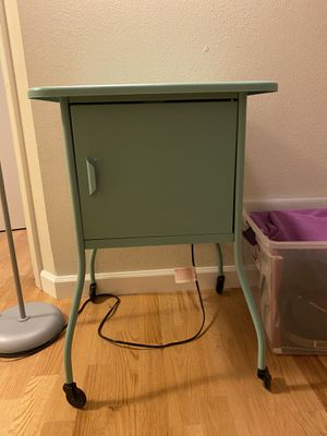 Cute side table in great condition! for Sale in Oakland, CA