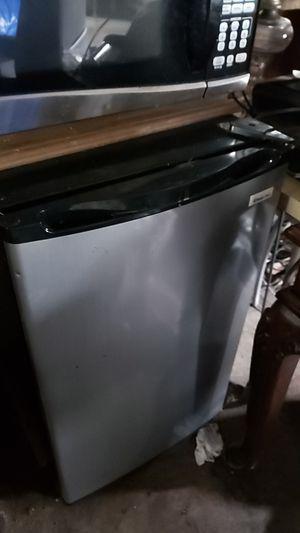 Magic Chef fridge for Sale in Arlington, VA