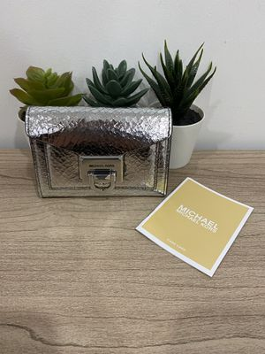 New Authentic Michael Kors Wallet for Sale in Chula Vista, CA