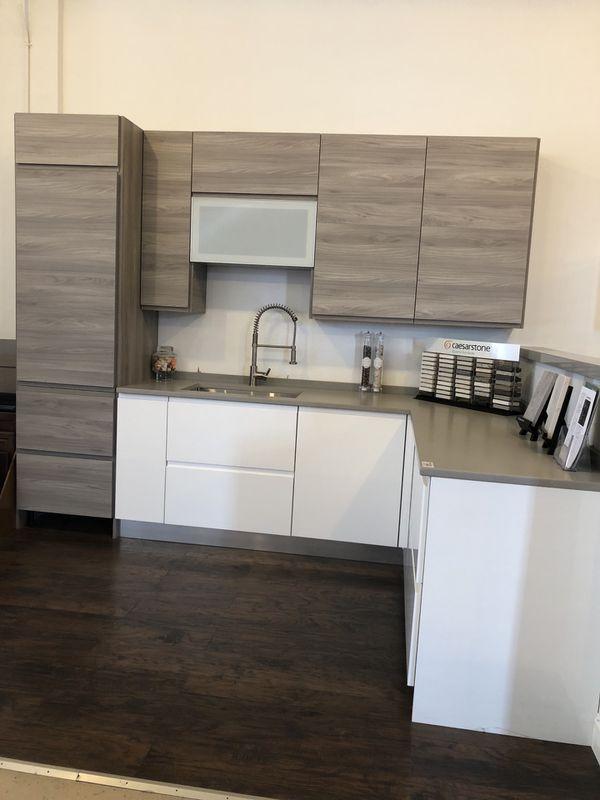 Modern Kitchen Display- Italian Cabinets and Caesarstone Countertop