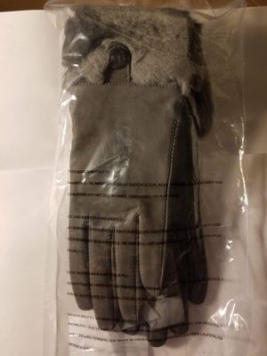 New Uggs Charcoal Sheepskin Cuff Leather gloves for Sale in Barnegat, NJ
