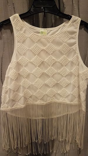White Trendy Fringe Sleeveless Blouse Size Small for Sale in Montclair, CA