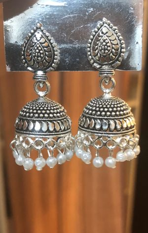 New Ethnic Indian traditional silver tone jhumki earrings with faux pearls for Sale in Schaumburg, IL