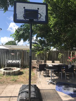 Lifetime basketball hoop for Sale in New Port Richey, FL