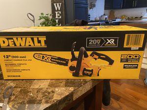Dewalt chainsaw for Sale in Elizabeth, NJ