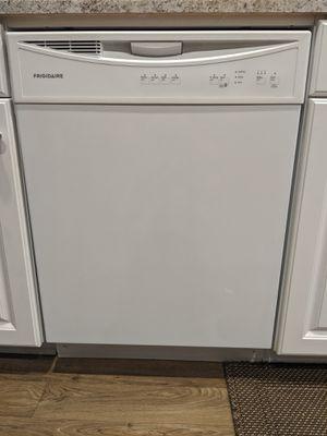 Frigidaire dishwasher for Sale in Fallbrook, CA