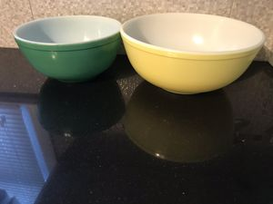 Vintage Pyrex mixing bowls. for Sale in Sayreville, NJ