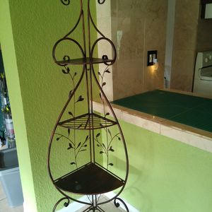 Corner Shelf Piece, Folding Wrought Iron Style With Leaves for Sale in Hollywood, FL