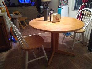 Table two chairs for Sale in Arroyo Grande, CA