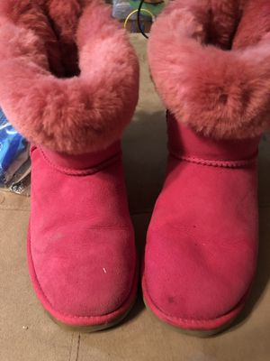 Hot pink Laced UGGS size 4 for Sale in New York, NY