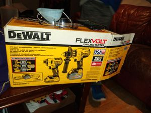 DeWalt drill set for Sale in Port Orchard, WA