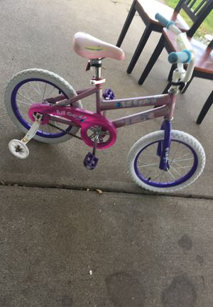 Kids bike with training wheels for Sale in Lockport, NY