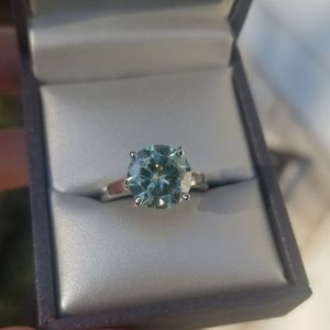 Beautiful 4.10 ct VVS1 WHITE ICE BLUE MOISSANITE DIAMOND 925 Sterling Silver Ring Engagement SIZE 7 for Sale in Delanco, NJ