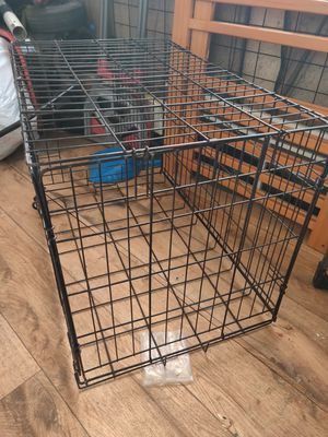 Dog crate medium sized for Sale in Palmdale, CA