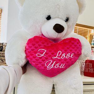 Big Valentines Teddy Bear for Sale in Littlerock, CA