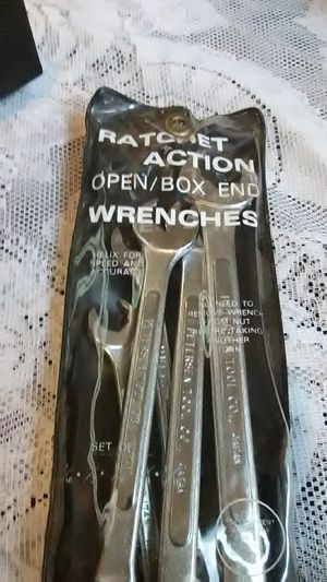 Helix ratchet action open/box end wrenches set of 5 for Sale in Baltimore, MD