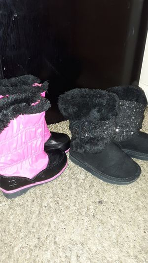 Toddler size 7 winter boots. Black pair are Rampage Girls. Pink are from Rugged Outback. for Sale in Chicago, IL