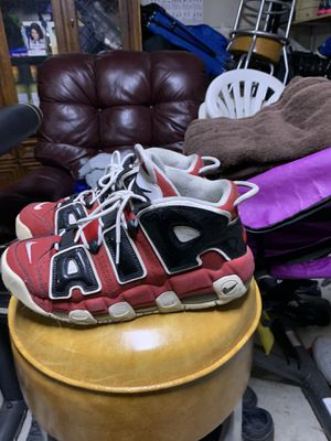 Air uptempo Chicago's size 9 for Sale in Bowie, MD