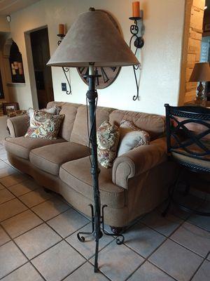 Beautiful Metal Floor Lamp for Sale in Fresno, CA