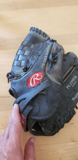 Softball glove for Sale in South Plainfield, NJ