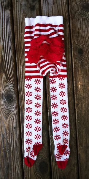 Hanna Andersson Baby Girls size 80 or (US 18-24M 2T) Red & Ivory Striped Snowflake Ruffle Bum Tights for Sale in Tacoma, WA