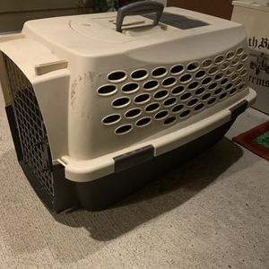 Pet Carrier Medium Size for Sale in Puyallup, WA
