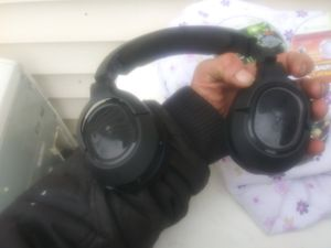 Xbox 360 games and or turtle beach head phones for Sale in Cleveland, OH