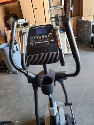 Nordictrack Professional Elliptical with motorized incline an digital resistance for Sale in Las Vegas, NV