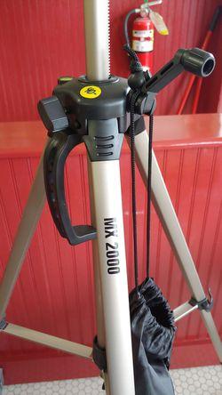 MX 2000 tripod for Sale in Belton,  TX