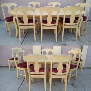 Solid Wood Dining Table With 2 Leaves & 7 Chairs (Mesa, sillas, comedor) for Sale in Patterson, CA