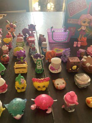 Shop kins/Littlest Pet shop and LOL Doll set for sale about 65-70 pieces for Sale in Phoenix, AZ