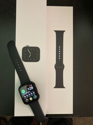 Apple Watch 44mm series 4 for Sale in Ravensdale, WA