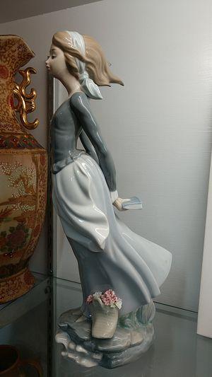 "Lladro Sea Breeze Porcelain Figurine Statue Retired Excellent Condition 14"" Tall Brisa Marina for Sale in Chula Vista, CA"