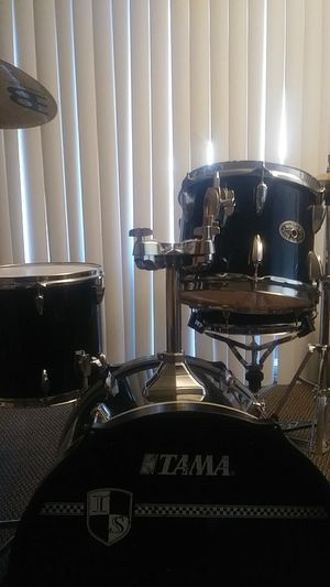 Tama imperialstar drum set for Sale in Industry, CA